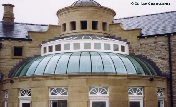 Oak Leaf Conservatories A 40 Radius Curved Glass Domed Roof Over The Lounge Area On A Grand Sized New Home Ful Dome Building Conservatory Design Architecture