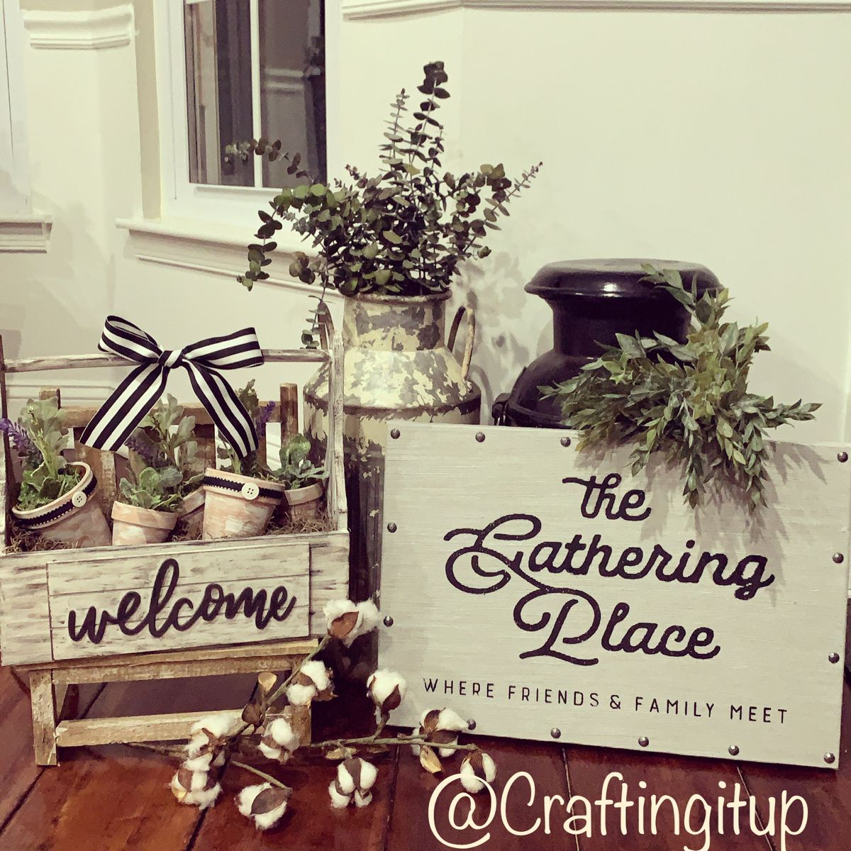#chalkcouturedesigner #chalkcouture #chalkingwithcraftingitup #thegatheringplace #farmhousedecof #farmhousestyle #diy #diyhomedecor #diyprojects #obsessedwithgreenery #blackandwhitedecor #chalkwithme #askmehow #welcome #friends #family #summernails