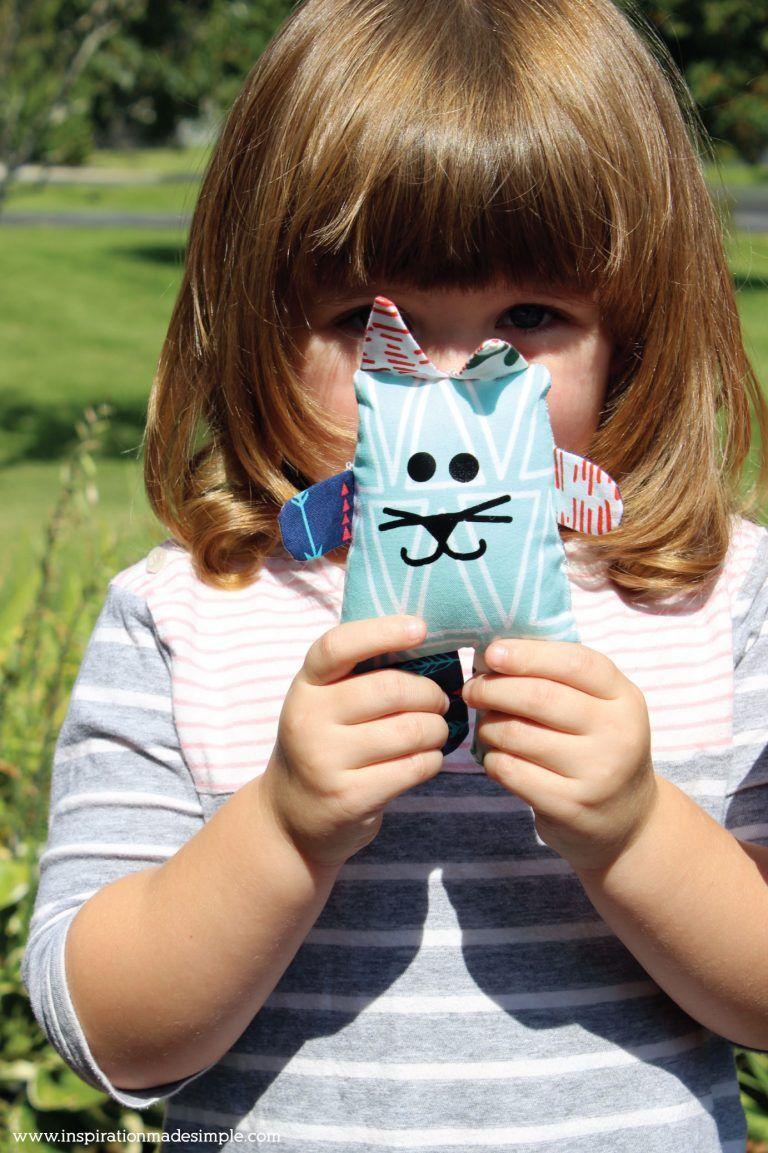 DIY Scrap Fabric Cat #scrapfabric