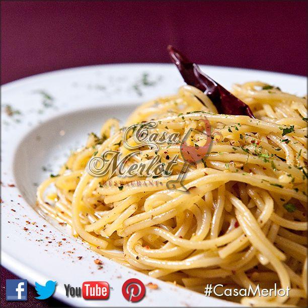 Spaghetti Aglio olio e peperonccino. En #CasaMerlot creamos momentos para recordar.