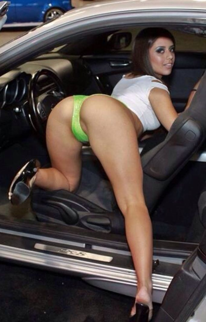 Pornstar Entry Into A Car