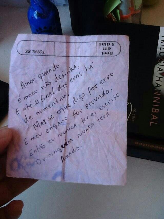#frases #frasista #poesia #poetas #insta #instagram #instafrases #inspiração #pixação #pixo #pichações #muro #motivação #sabado #sabadou #saopaulo #sampa #sampacity #feliz #sad #namorados #namoro #termino #ddn #diferentedeninguem #muros #escrito #letras #amor @ser3i4 @diferentedeninguem