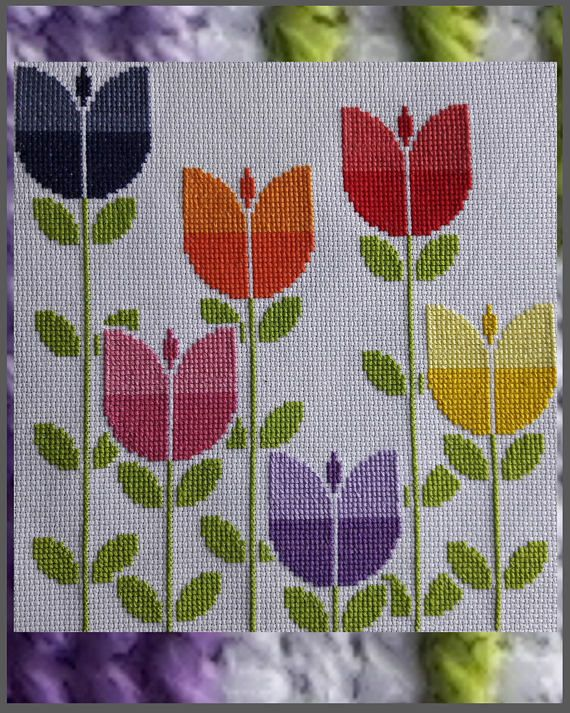 Modern cross stitch pattern. Floral design. Contemporary embroidery sampler. Easy to follow cross stitch chart. Field of retro tulips #embroidery