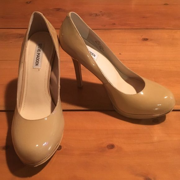 Steve Madden Pumps Size 9.5M Nude color patent leather pumps with round-toed silhouette and 4 inch high stiletto heel. Never worn Steve Madden Shoes Heels
