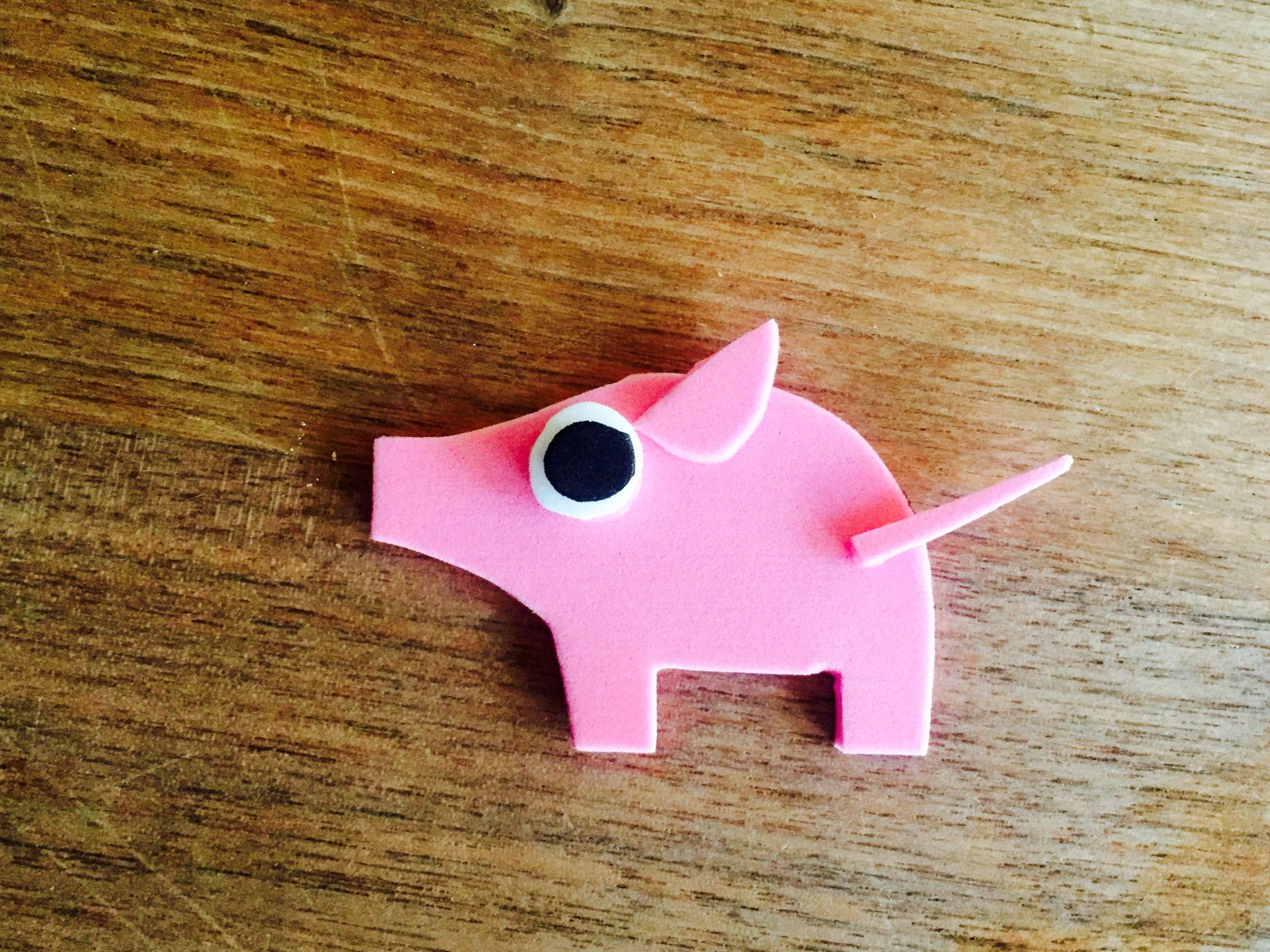 kleines Glücksschweinchen aus Moosgummi