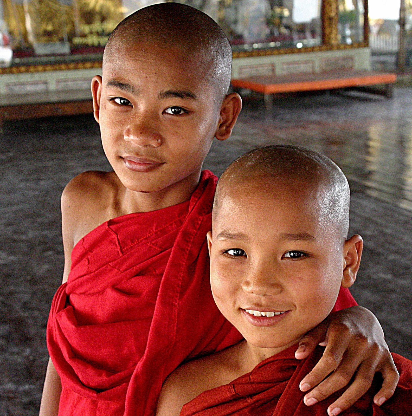 https://flic.kr/p/xBA1yi | Buddhist novices at Shwedagon Pagoda. | Buddhist novices at Shwedagon Pagoda. Yangoon, Burma 07/03/2005