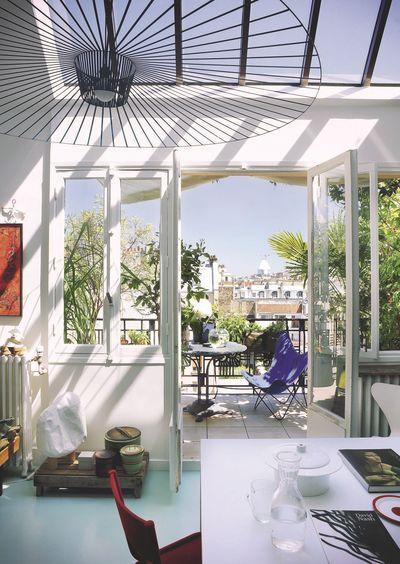 Appart en duplex avec terrasse à Paris | Godefroy de Virieu ...