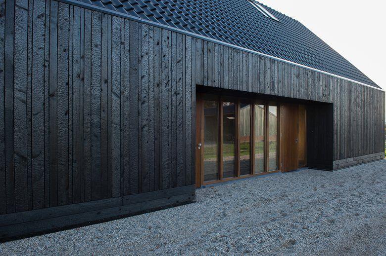 Blackbird Zwarthout Shou Sugi Ban Bois Brule Facade House Barn