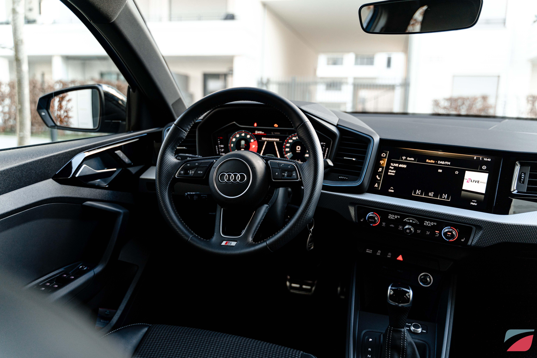 Interiordesign Beim Audi R8 In 2020 Audi R8 Auto Leasing Audi