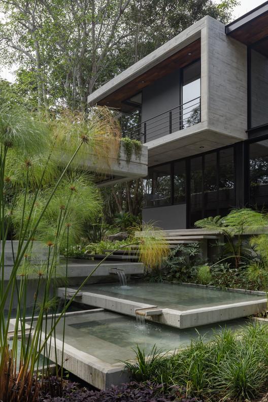 Gallery of Entreparotas House / Di Frenna Arquitectos - 13