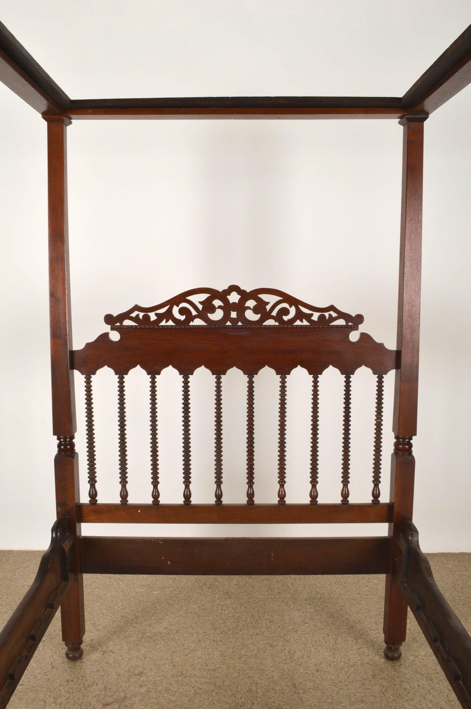 Century Victorian Canopy Bed Ebth Bedroom Luxurious