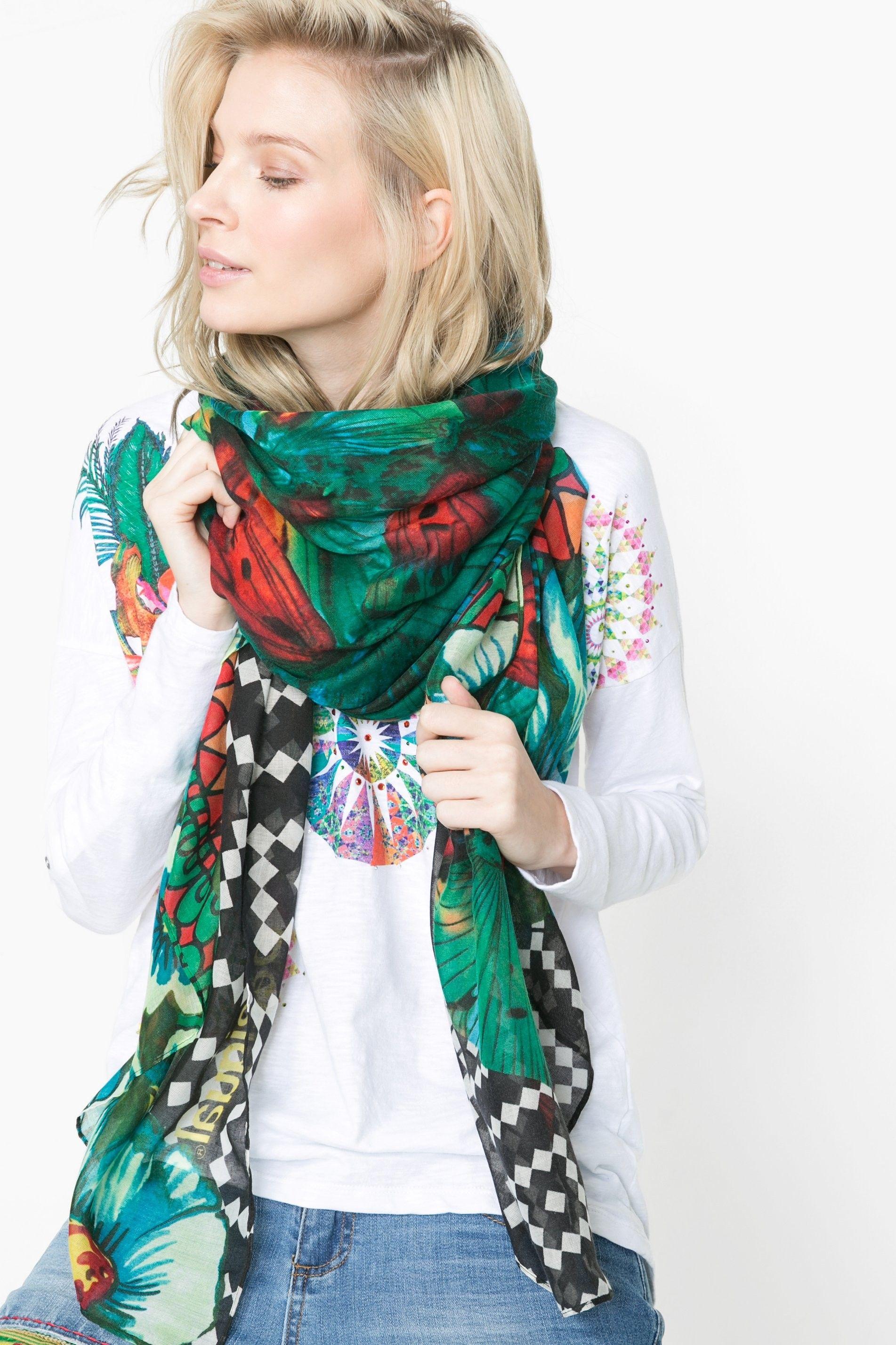 19fbc4052 Pin de Mymalena Style en WE LOVE DESIGUAL | Plaid scarf, Ethnic ...