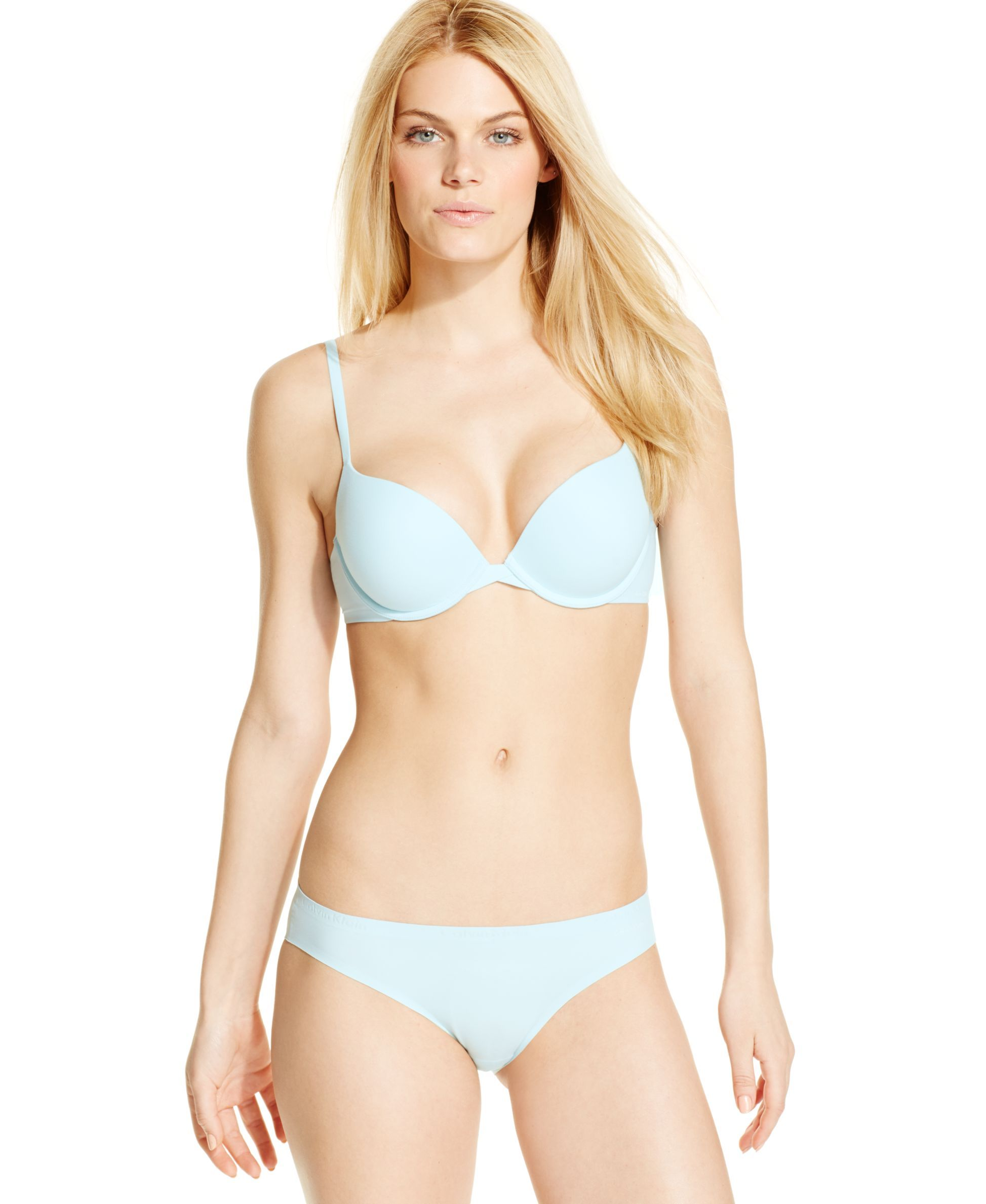 a687a40572a37 Calvin Klein Perfectly Fit Plunge Push Up Bra QF1120