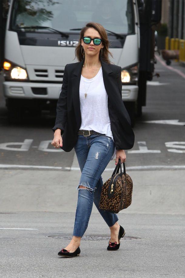 Jessica Alba in 7 For All Mankind #7fam Slim Cigarette #Jeans in ...