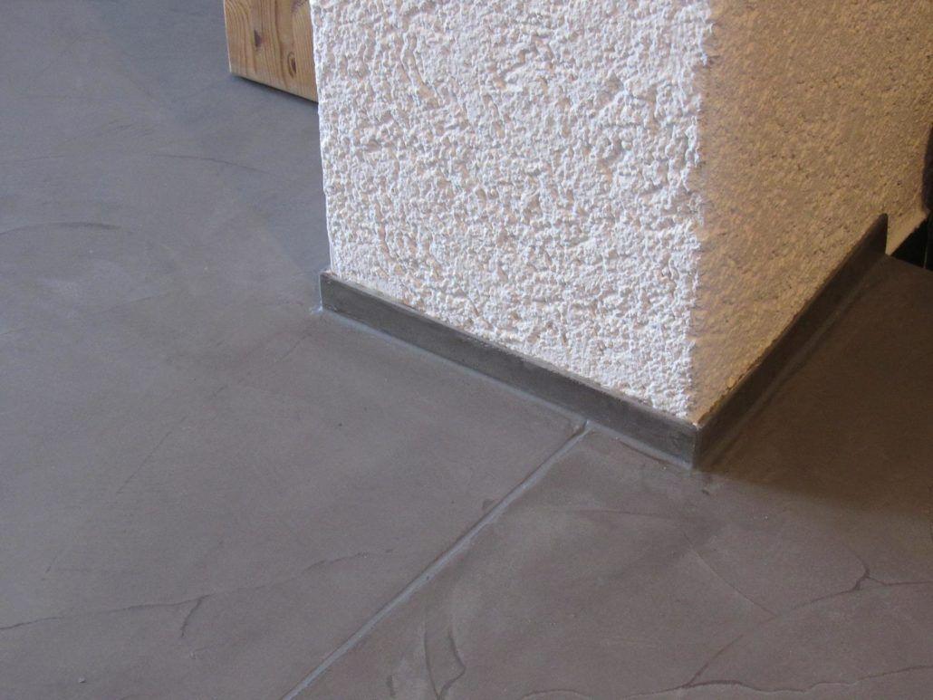 Gespachtelte Sockelleiste & Dehnungsfuge im Detail   Beton look ...