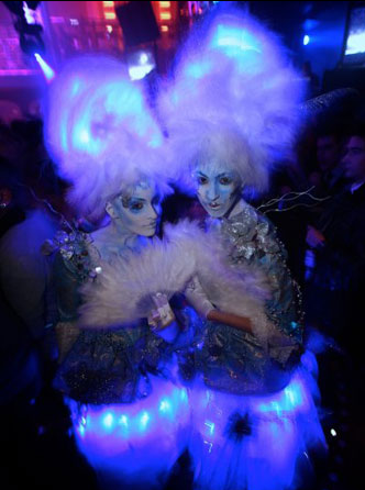 Illuminated Entertainment - Stilt Walkers