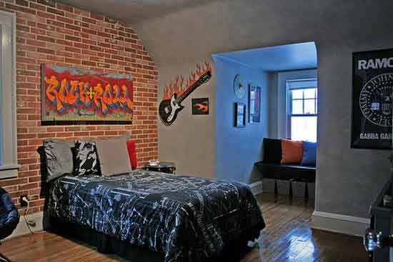 Roomboys rock and roll bedroom  Love the graffiti sign idea  Would be  . Graffiti Bedroom Decorating Ideas. Home Design Ideas