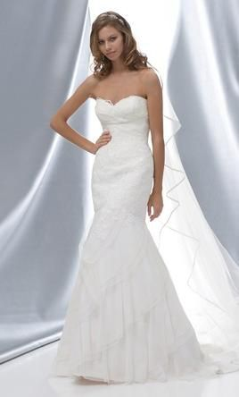 Used Watters Wedding Dress Arial Size 2