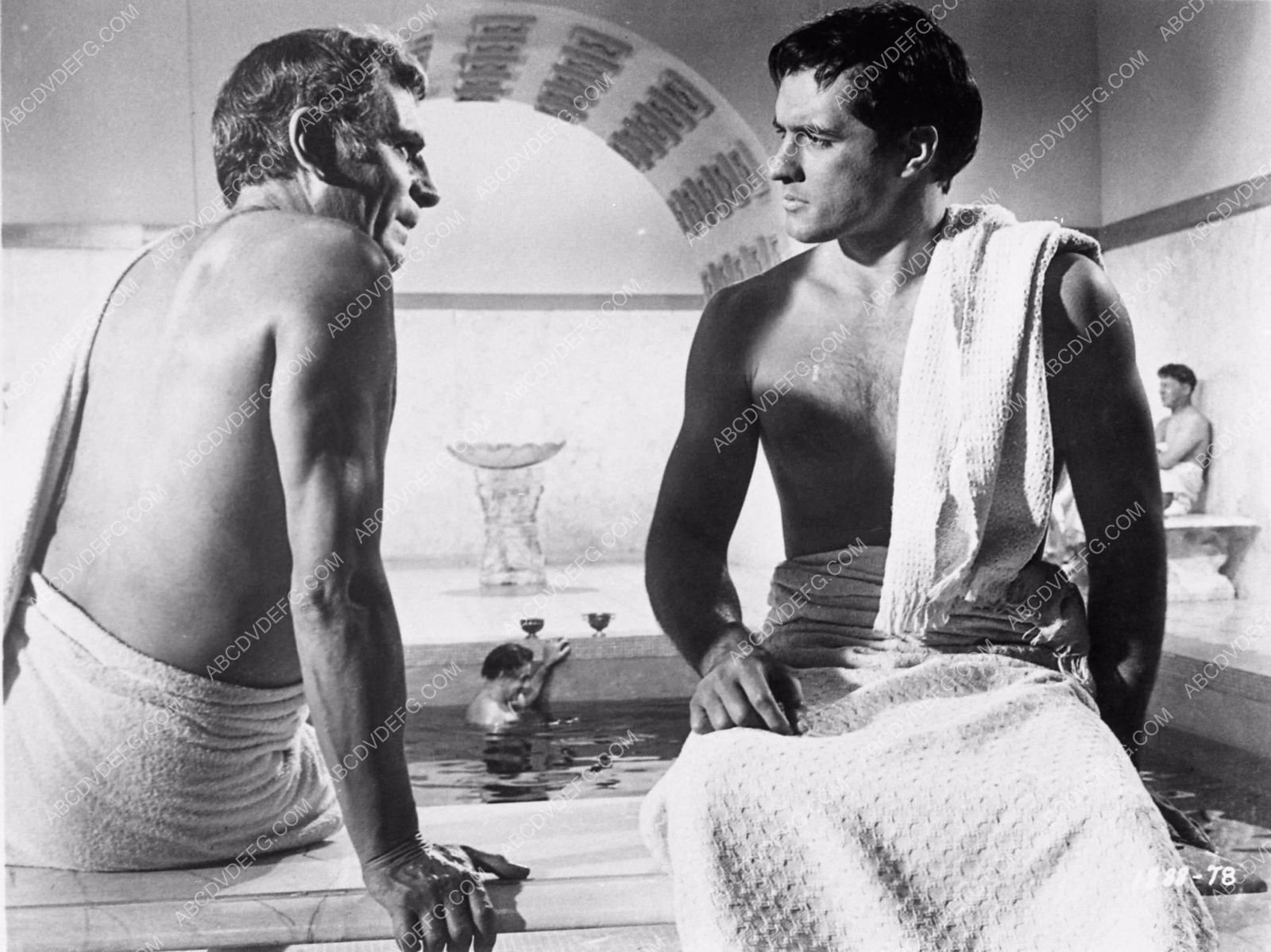 Laurence olivier spartacus quotes - Photo Spartacus Bathtub Bath House Scene 1391 30