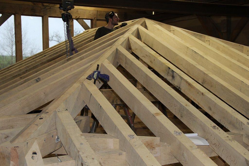 Jowl Post Our Oak Frame Blog Building A Roof Under A Roof Derevo Krysha Besedka