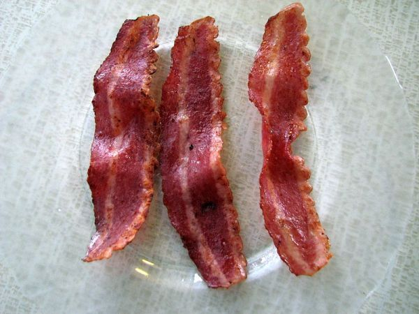 Bacon Burglary Foiled by Aroma - Neatorama