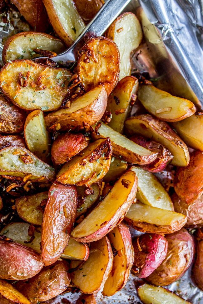 3 Ingredient Crunchy Roasted Potatoes From The Food Charlatan Recipes Food Vegetable Recipes