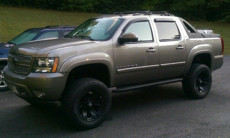 Lifted 2008 Chevrolet Avalanche With 6inch Lift On 35s Chevy