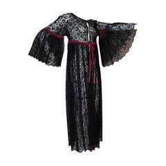 1960s Black Lace Baby Doll Robe with Velvet Ribbon Trim