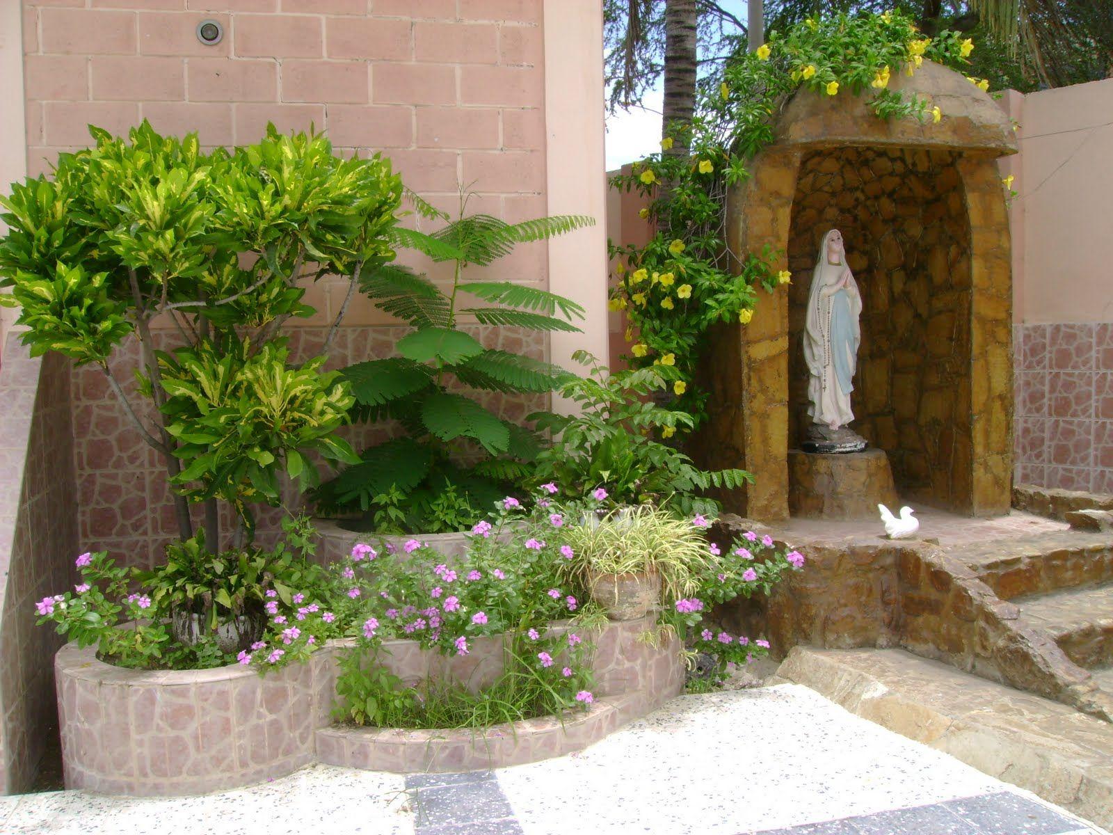 Como hacer un altar catolico en casa im genes buscar con for Grutas para jardines pequenos
