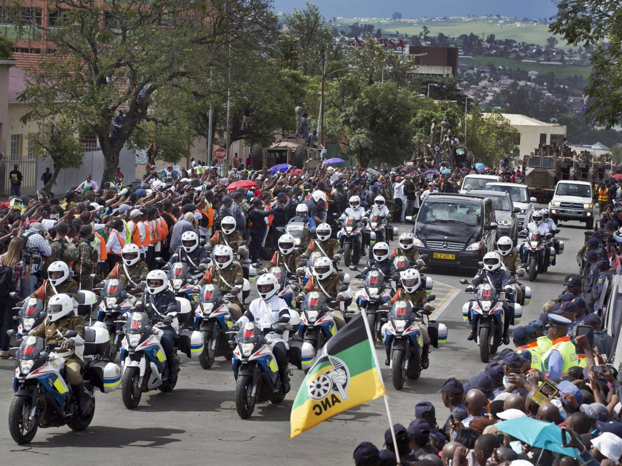 Nelson Mandela's coffin arrives in his home village of Qunu ahead of ...