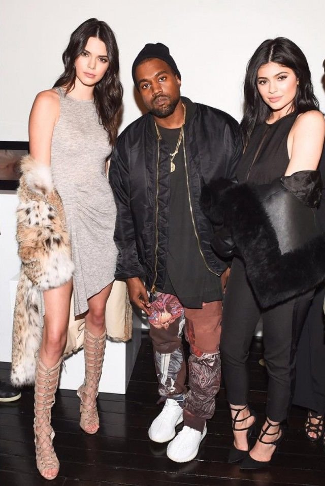 Kanye West with Kylie and Kendell Jenner  4021fae3d1bd