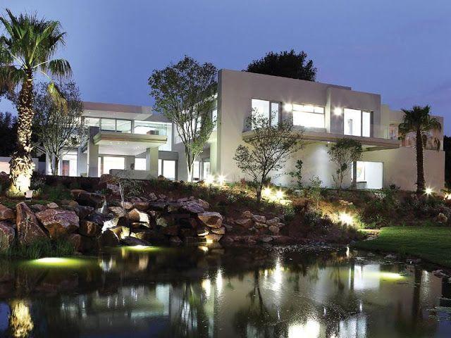 Modern Luxury House In Johannesburg Luxury Modern Architecture