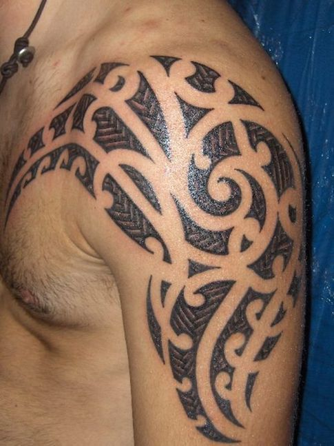 modern maori shoulder tattoo cultural tattoos pinterest shoulder tattoo maori and tattoo. Black Bedroom Furniture Sets. Home Design Ideas