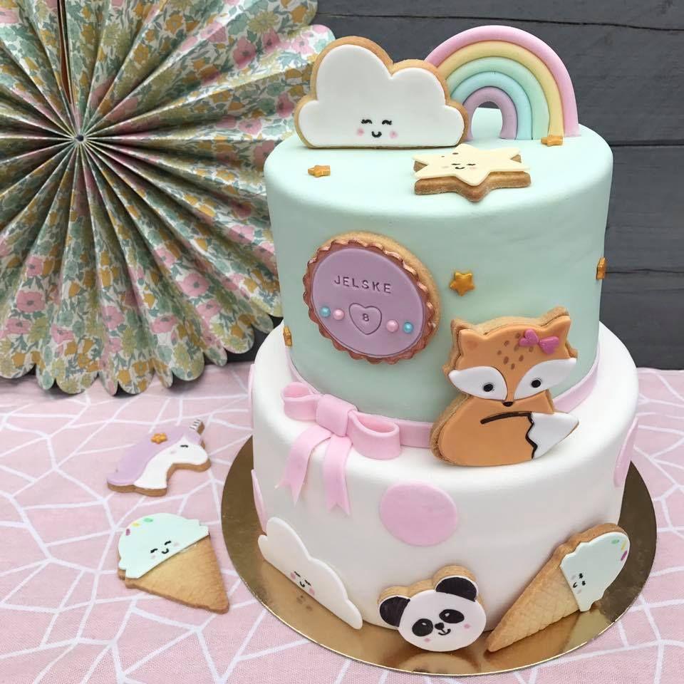mooie taart bakken Sommige mensen zijn een ster in taarten bakken. Ik ben dus niet zo  mooie taart bakken