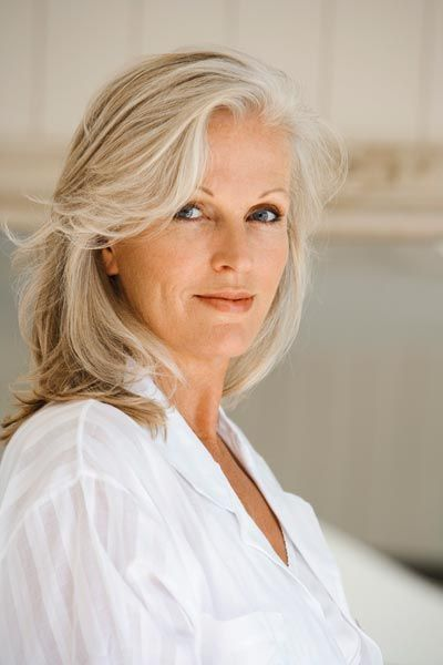 Natural Makeup Look For Over 50 Makeup Vidalondon Going Gray Gracefully Beauty Hair