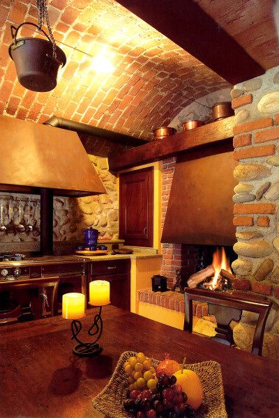 Arredamento taverna interesting tavoli da taverna lusso for Arredamento taverna rustica