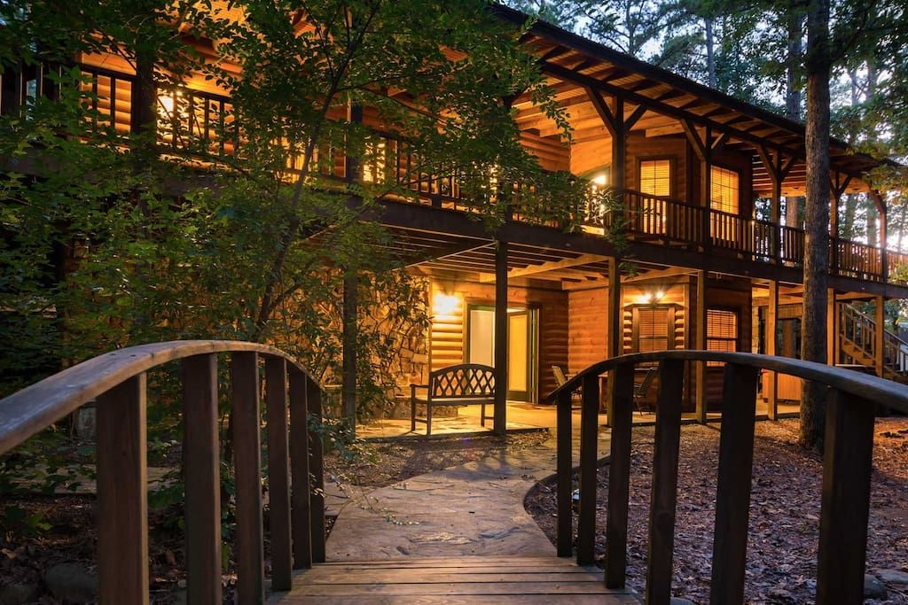 Cabin In Broken Bow United States Paradise Isn Amp X27 T Just A Part Of The Name With This Cabin Making Its Hom Broken Bow Broken Bow Lake Oklahoma Vacation