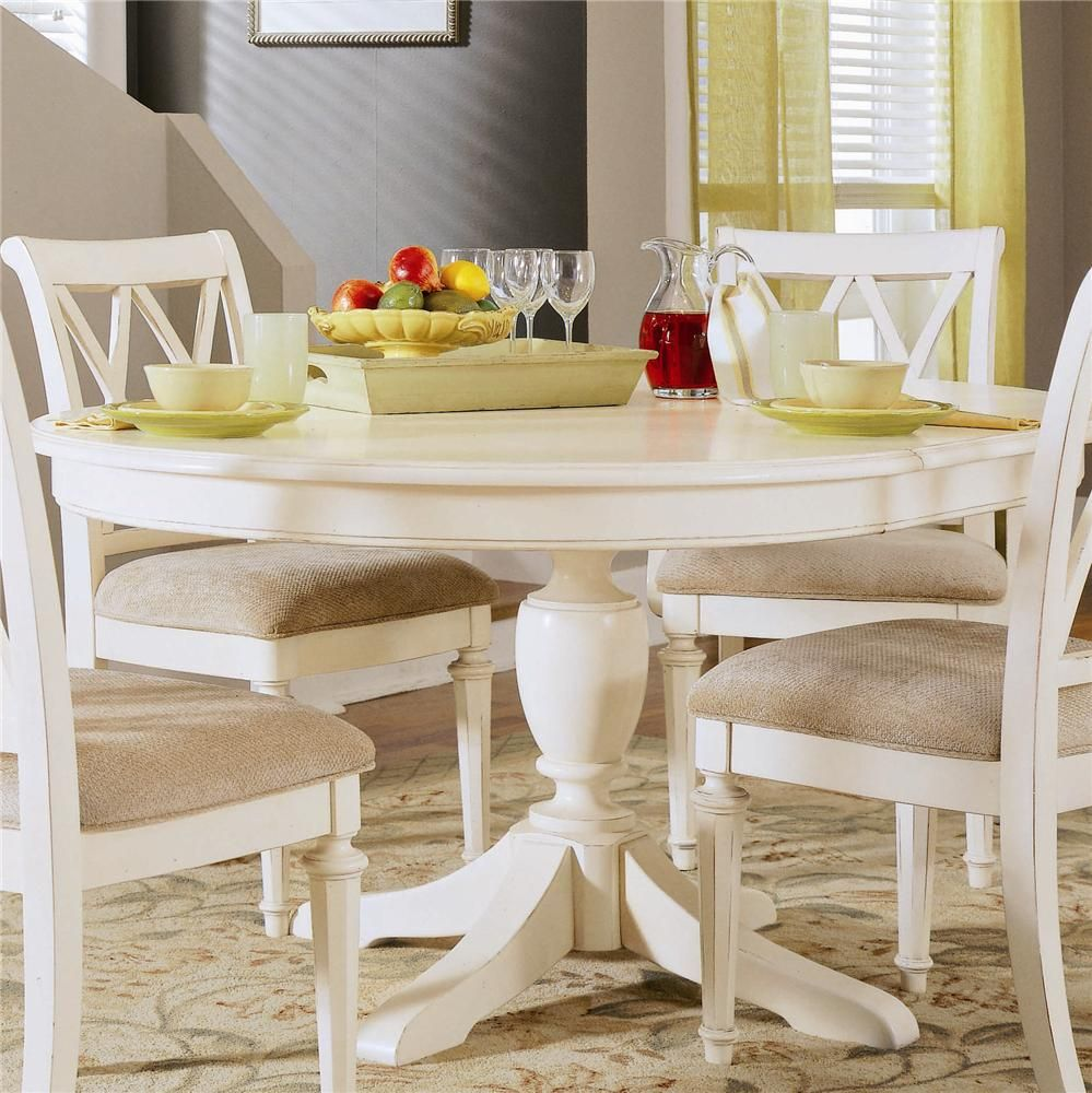 48 in the expandable butterfly leaf allows you to lengthen the table during parties and contract - Round kitchen table with butterfly leaf ...