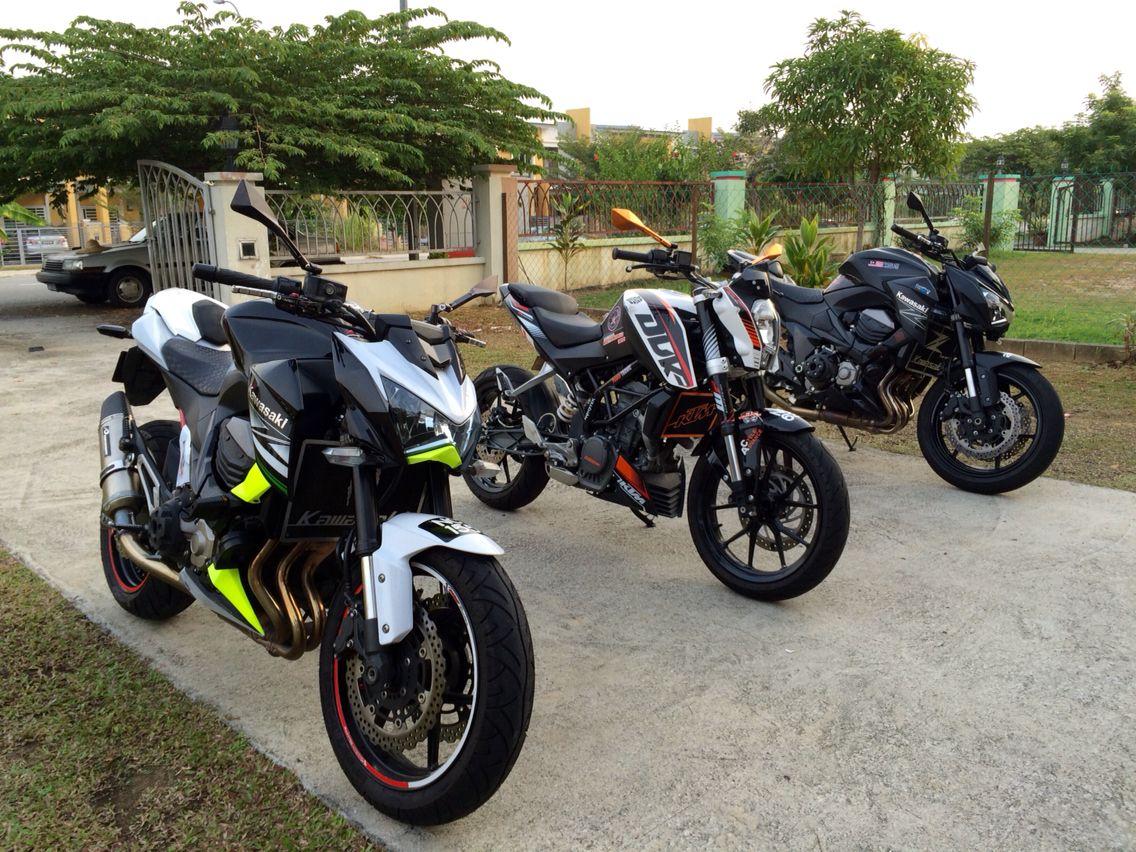 Kawasaki z800 and ktm duke 200