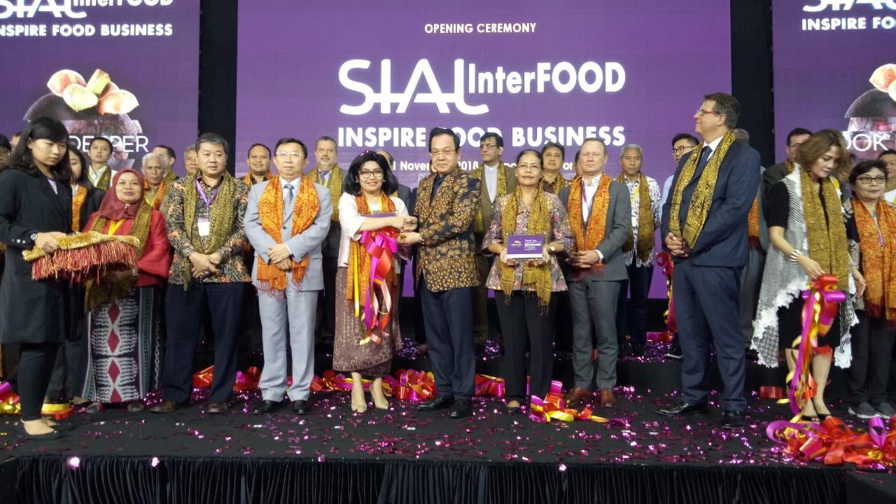 Kemenkop Fasilitasi 20 KUKM di SIAL Interfood 2018