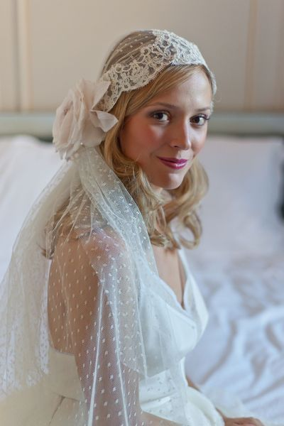 Dix voiles de mariée: Delphine Manivet, Laure