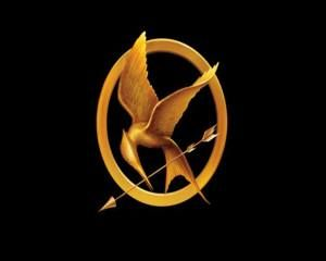 A mockingjay pin tracing by MusicIsLife22 on DeviantArt |Hunger Games Mockingjay Pin Outline