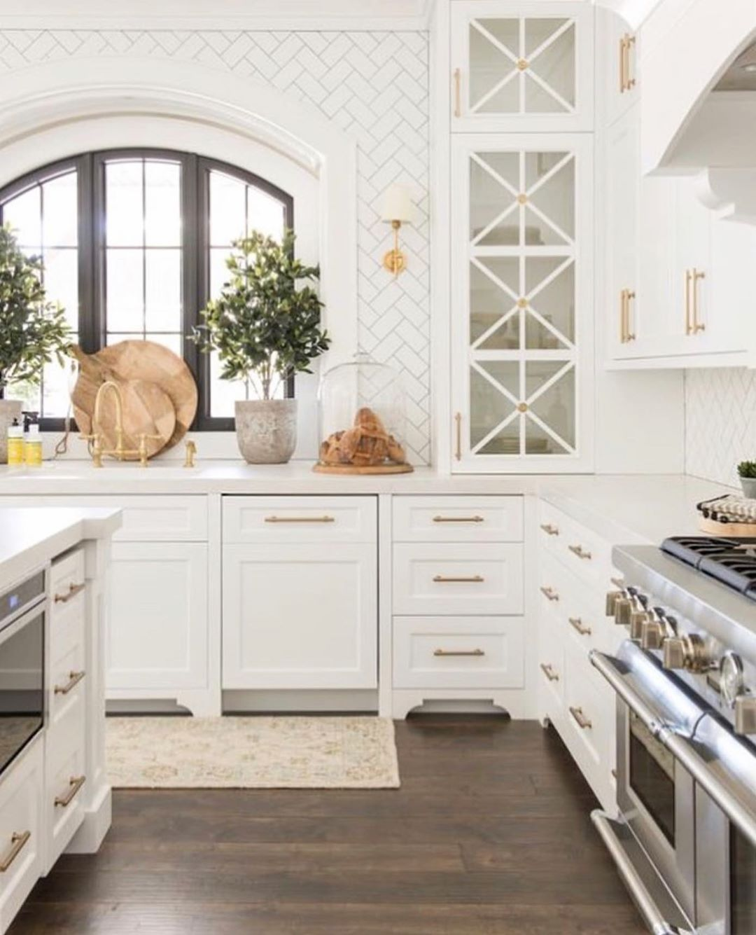Sheila Maison De Cinq On Instagram It S Official I M In Love With This Kitchen Th Kitchen Cabinets Decor Kitchen Inspiration Design Kitchen Inspirations