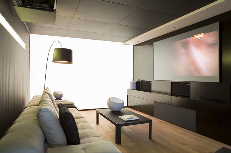 Casa com combinação perfeita de concreto, vidro e aço | TVs, Modern ...