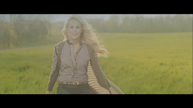 Green Sleeveless Shawl Carrie Underwood Blown Away