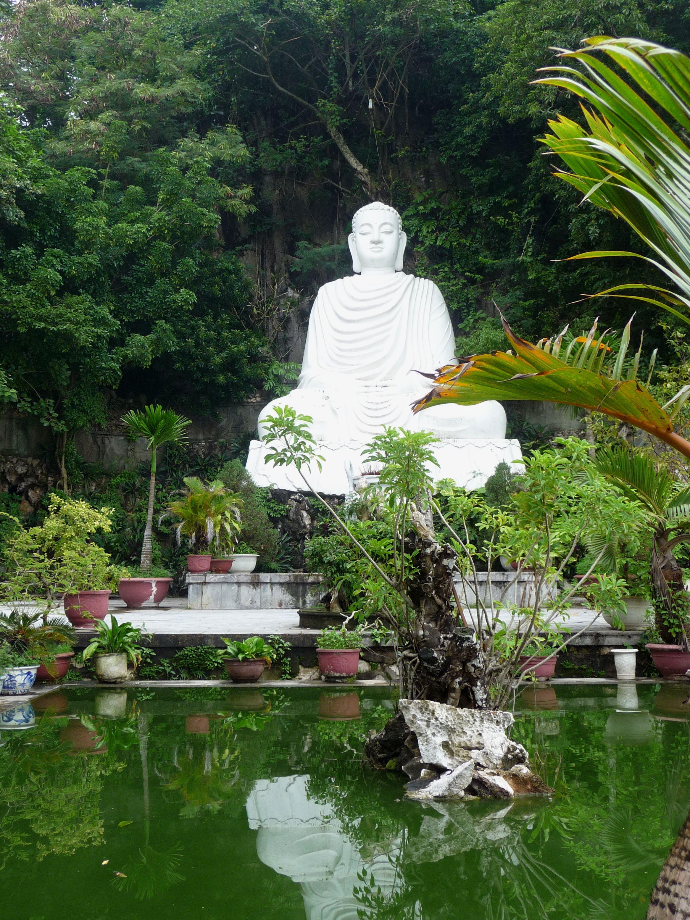 Grosser Buddha auf Marble Mountains in der Nähe von Hoi An, Vietnam #marblemountains #hoian #vietnam #vietnamreise #reisebericht #reiseblog #sightseeing #asienreise