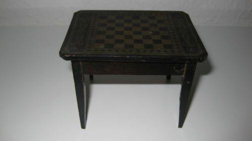 Wunderschoner-antiker-Boulle-Spieltisch-fur-die-antike-Puppenstube-um-1860