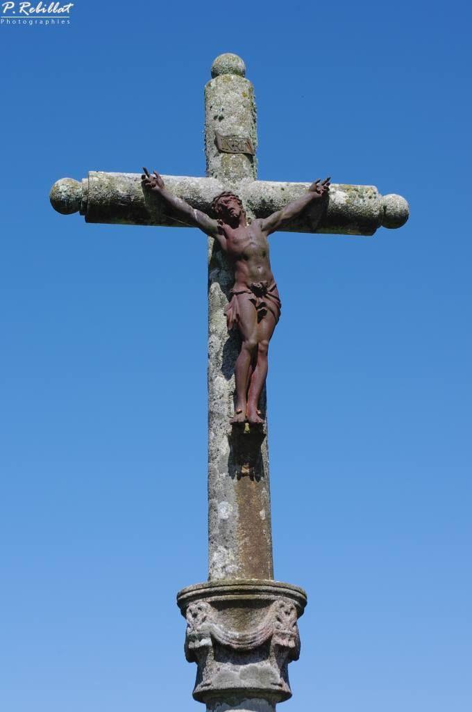 Croix à l'entrée du village - от Locronan.