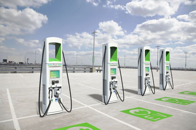 Electrify America Will Deploy 2 000 350kw Fast Chargers By The End Of 2019 Electric Vehicle Charging Station Electric Vehicle Charging Ev Charging Stations