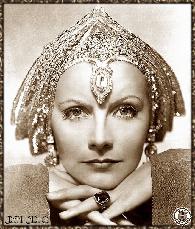 Greta Garbo | Famous cinema Old Stars & Celebrities | Classic famous cine #Hollywood #Divas #Films #Movies #Películas